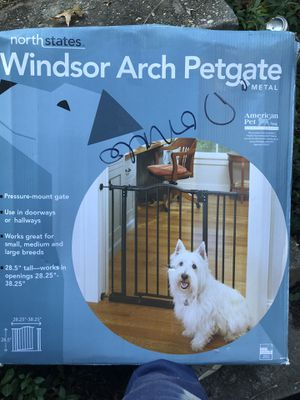 Brand new Windsor arch pet gate $45 for Sale in Rockville, MD