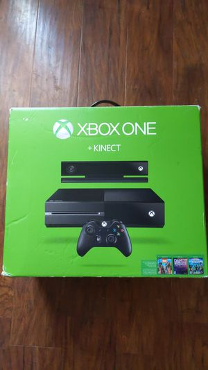 Xbox One Gaming Console + Kinect w Games for Sale in Fresno, CA
