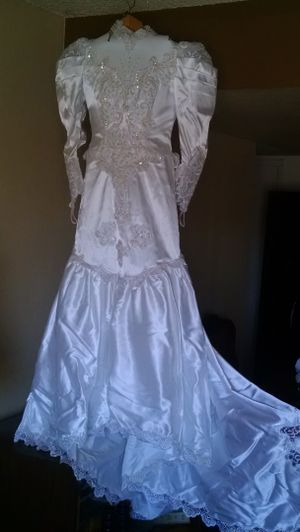 Wedding dress for Sale in Scottsdale, AZ