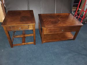 Beautiful Pop Up Coffee Table & End Table Set for Sale in Winter Garden, FL
