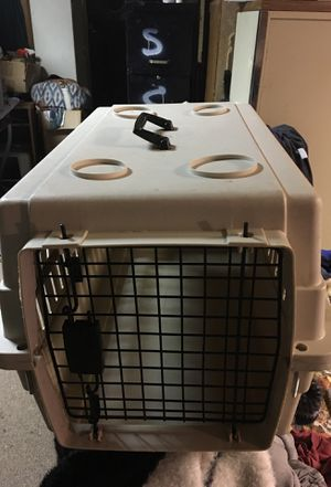 """15in wide 24"""" long almond dog or cat crate for Sale in McKeesport, PA"""