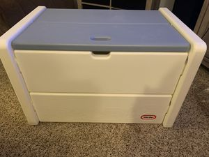Little tykes vintage toy box for Sale in Tacoma, WA