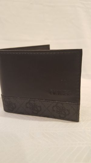 GUESS men's Bi-fold Leather Wallet for Sale in Vienna, VA