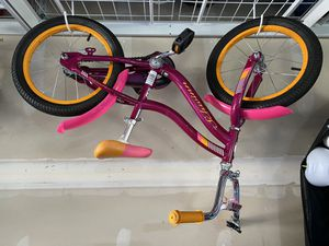"Schwinn sunny side 16"" girls bike for Sale in Puyallup, WA"