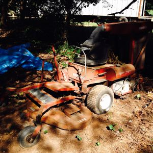 Middlesworth mower with grass catcher for Sale in Bedford, VA