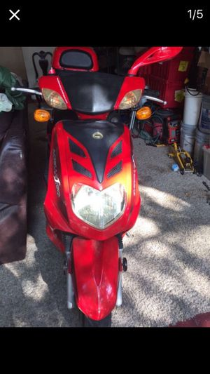 Gas moped (as is) read description for Sale in San Antonio, TX