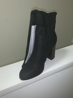 Knee high black high heeled boots - Brand New for Sale in Lincolnia, VA