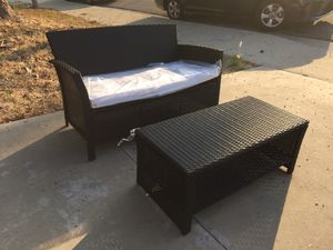 Beautiful Wicker Couch and Table for Sale in Walnut, CA