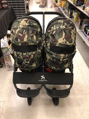 Dog double stroller for Sale in Queens, NY