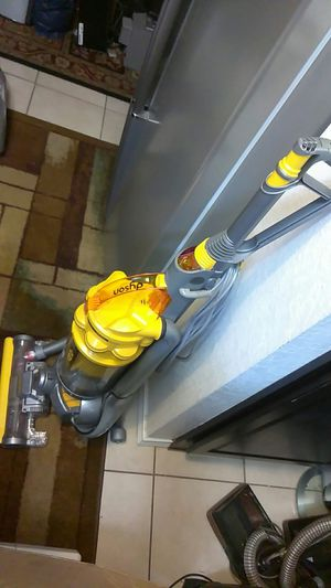 DYSON DC 15 ALL FLOOR BAGLESS VACUUM CLEANER for Sale in Arlington, TX