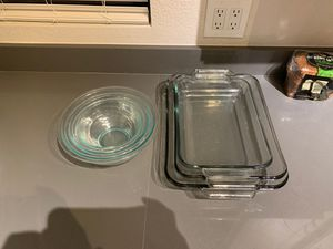 Casserole dish and bowl set for Sale in Mesa, AZ