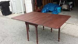 Antique wood dining table. for Sale in Chicago, IL