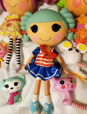 Lalaloopsy 3 Dolls, 3 pets, Couch, & Bed for Sale in Dallas, GA