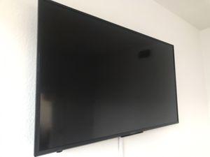 50 inch Sharp Smart/Roku TV w/ Wall Mount for Sale in Mesa, AZ