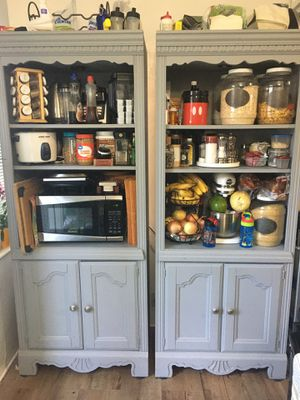 Kitchen cabinets/bookshelves for Sale in Miami, FL