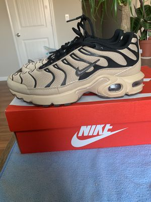 Nike Air Max (size 6y) for Sale in Pittsburg, CA
