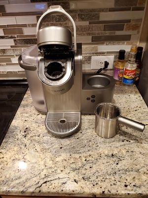 Keurig coffee and latte maker for Sale in Raleigh, NC