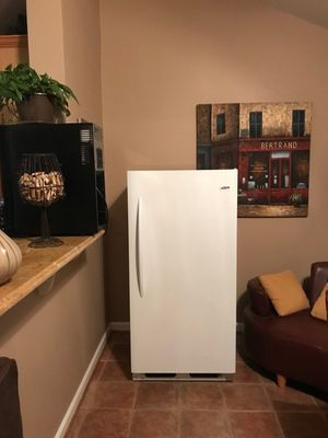 Upright Crosley Freezer for Sale in Frederick, MD
