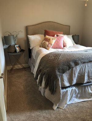 queen bed for Sale in Houston, TX