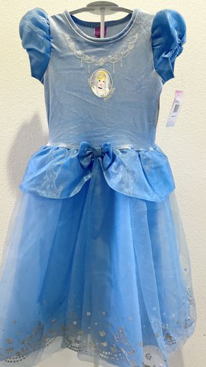 New Disney Princess Cinderella Halloween costume size 6x for Sale in Fontana, CA