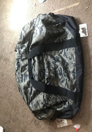 Cabella's xl camo duffle bag for Sale in Columbus, OH