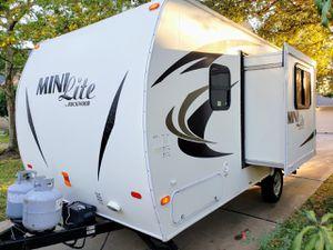 2013 camper trailer for Sale in Sugar Land, TX