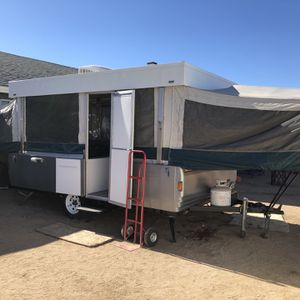 97' Coleman Pop Up Trailer for Sale in Hesperia, CA