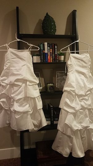 2 Flower girl dresses for Sale in Puyallup, WA