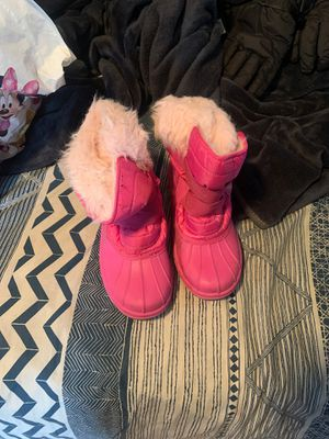 Women snow boots size 9 for Sale in Westminster, CA