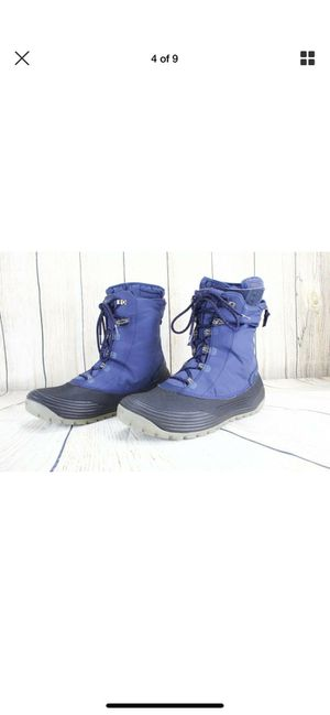 Teva boots mens size 9.5 for Sale in Bellwood, IL