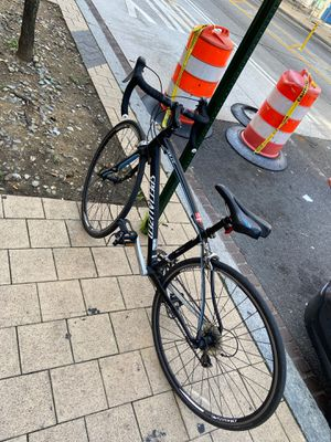 Specialized medium size racing bike for Sale in Washington, DC
