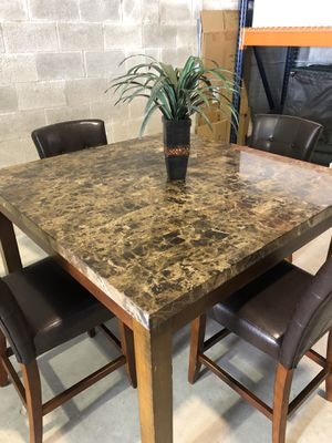 Breakfast/Dining Table for Sale in Miami, FL