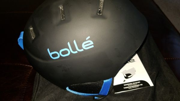 Bolle kids ski helmet NWT XS