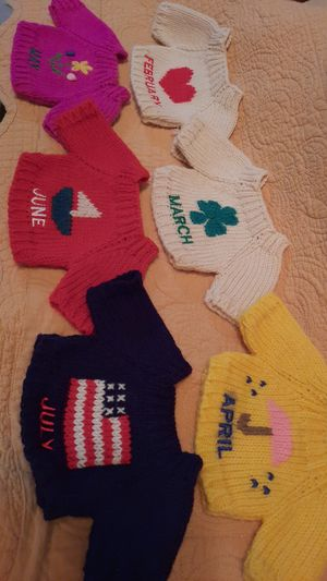 "Monthly Knit Swearer Set for Bear, Cabbage Patch, or 18"" Dolls for Sale in Burbank, CA"