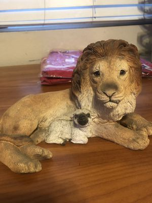 Lion and the lamb statue/ collectible lion statue for Sale in Riverside, CA