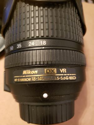 Nikon 18-140mm for Sale in Tacoma, WA
