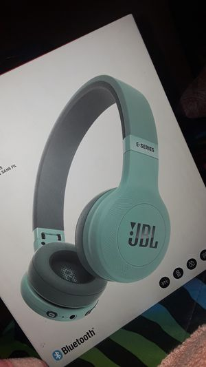 JBL Wireless On-Ear Headphones for Sale in North Bergen, NJ