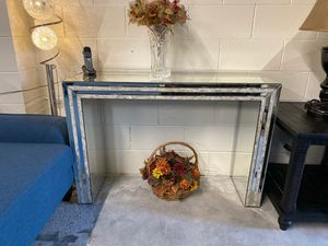 Modern mirrored console entry table last one!! for Sale in San Jose, CA