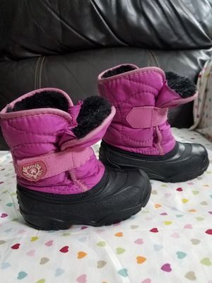 Kamik snow boots for girl size 9 for Sale in Arlington Heights, IL
