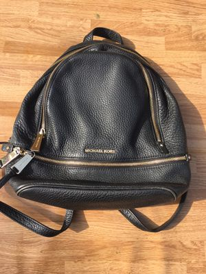 MICH MICHAEL KORS Rhea Large Leather Backpack for Sale in Compton, CA