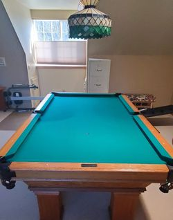 Golden West Billards Pool table + Accessories + Pool light (please read **) for Sale in Kent,  WA