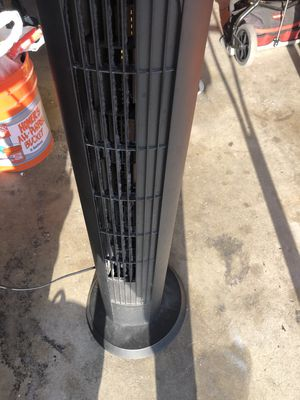 Tower fan in great working condition everything works perfectly asking $15 for Sale in Bell Gardens, CA