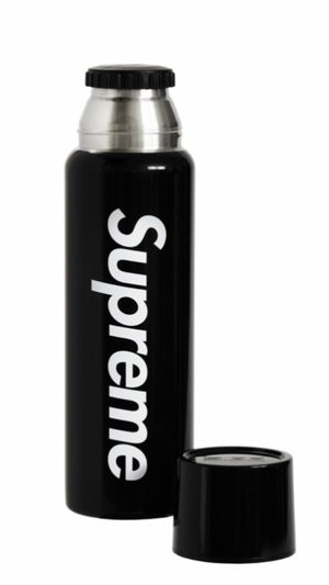 Supreme Sigg 0.75 liter vacuum insulated (unopened with official recipes and email proof) for Sale in Renton, WA