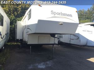 5th wheel with bunks 2001 KZ Sportsmen for Sale in Lakeside, CA