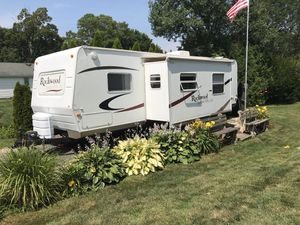 2009 Rockwood Signature Series ultra lite camper 31ft for Sale in Rocky Hill, CT