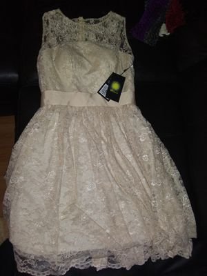 Brand new beautiful wedding dress size 4-6 for Sale in Crestview, FL