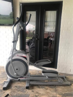 Schwinn 420 Elliptical elliptical 12 programs for Sale in Orlando, FL