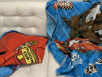 """Lightning McQueen Blankets One Is Twin Size And One Is About 40""""by 30"""" Both For 5$ for Sale in Kent,  WA"""