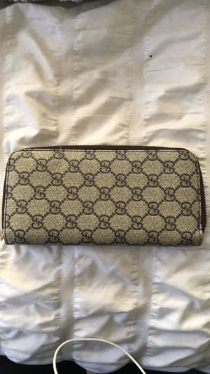 Gucci wallet for Sale in North Highlands, CA