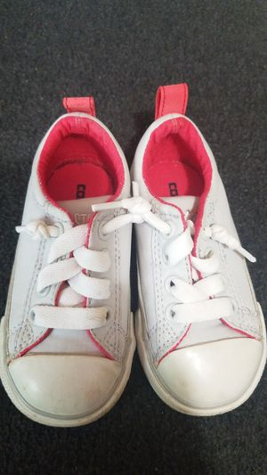 Toddler Size 6 Converse Shoe for Sale in Auburn, WA
